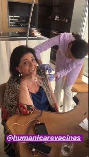 A mãe de Duda Nagle, Leda Nagle tomou a vacina.