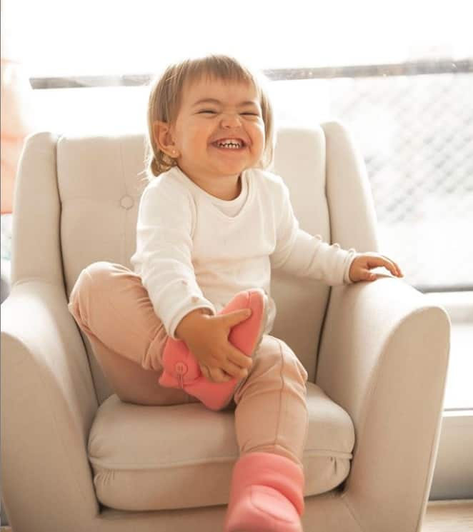 Sabrina Sato mostrou sua bebê sorrindo