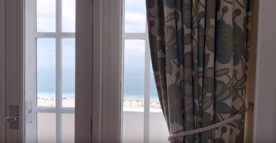 A vista do quarto de hotel onde a família Sabrina Sato está