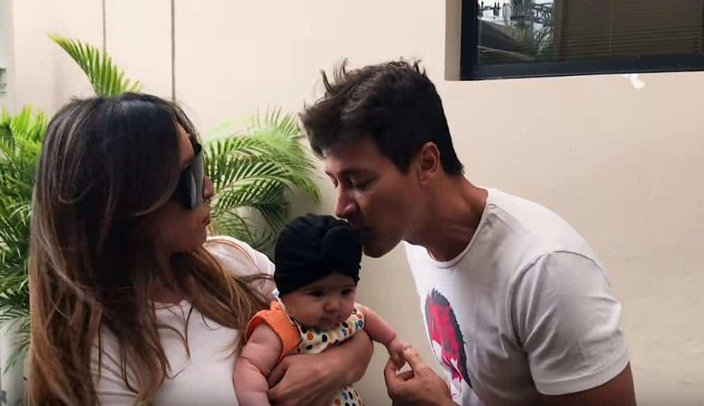 A lindinha ganhou até um beijinho de Rodrigo Faro