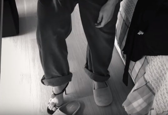 Esse pode ser o sapato alto que a futura mamãe Sabrina Sato quer usar na saída da maternidade