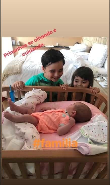 A fofa Zoe com seus priminhos Felipe e Manuela
