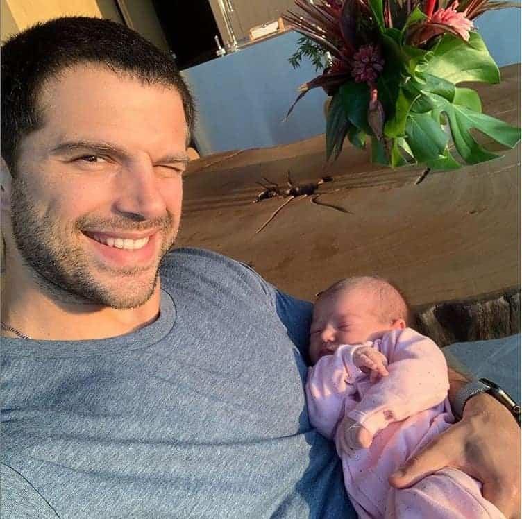 Duda Nagle mostra rosto da filha Zoe