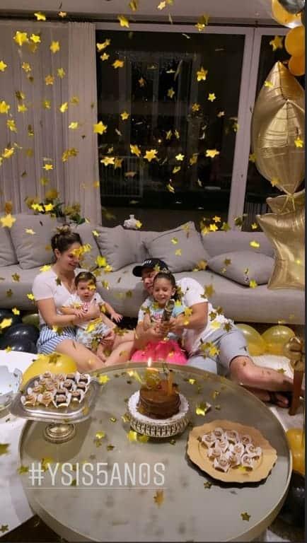 O cantor Wesley Safadão celebrando o aniversário da filha Ysis
