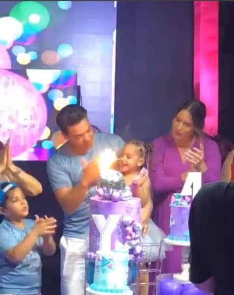 Publicação da hora do parabéns na festa de quatro anos de Ysis, filha do cantor Wesley Safadão