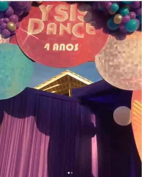 Foto dos detalhes da festa de quatro anos luxuosa de Ysis, filha do cantor Wesley Safadão
