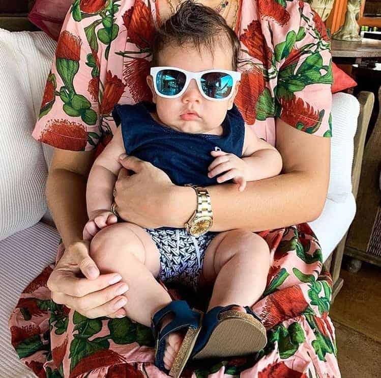 Num momento pop star, o bebê Dom, filho do cantor Wesley Safadão