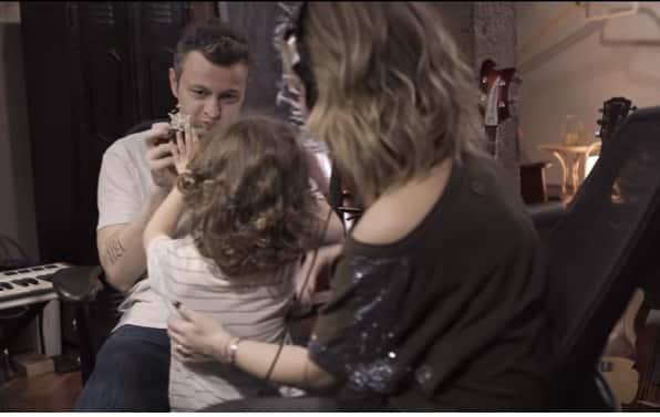 A cantora Sandy publicou essa foto do menino Theo
