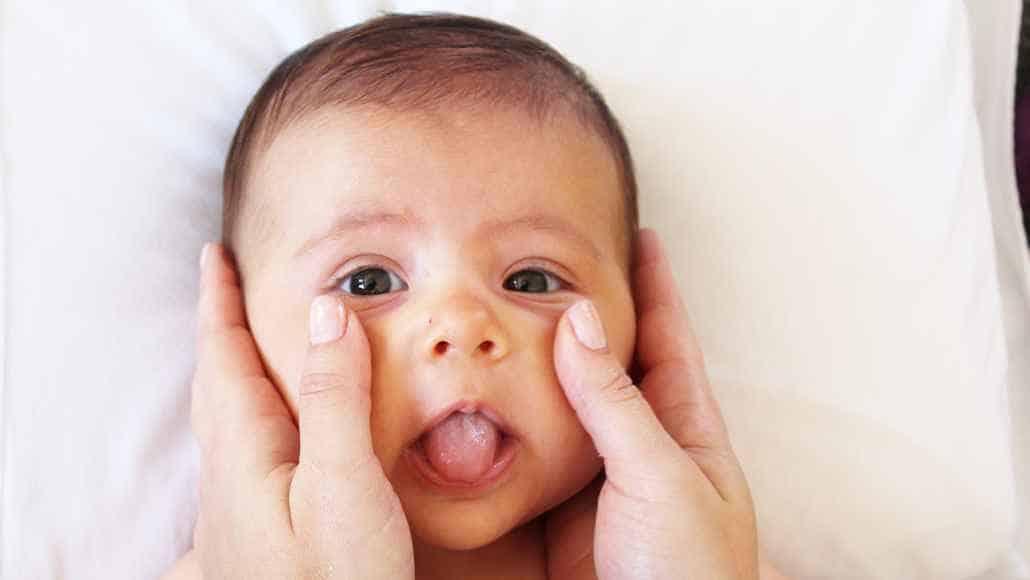 35º passo para fazer a shantala no bebê