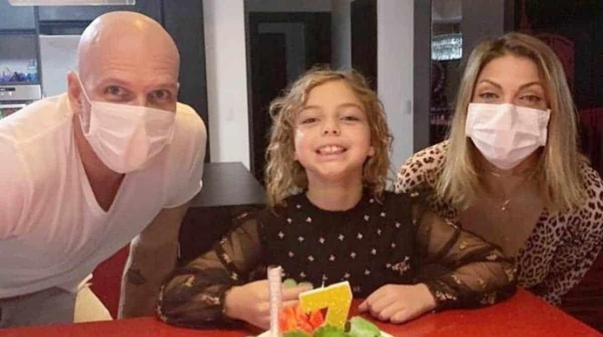 Sheila Mello e Xuxa comemorando os sete anos de sua filha