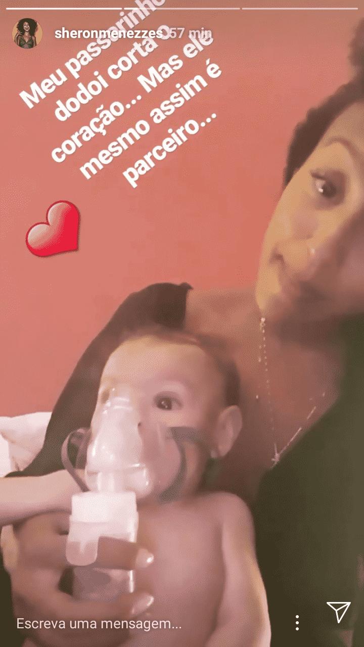 Durante viagem, o bebê de Sheron Menezzes adoeceu