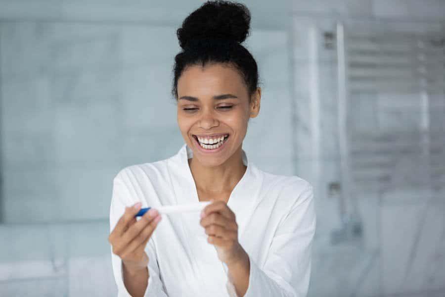 Um teste é a melhor maneira de identificar se os sintomas de gravidez estão corretos