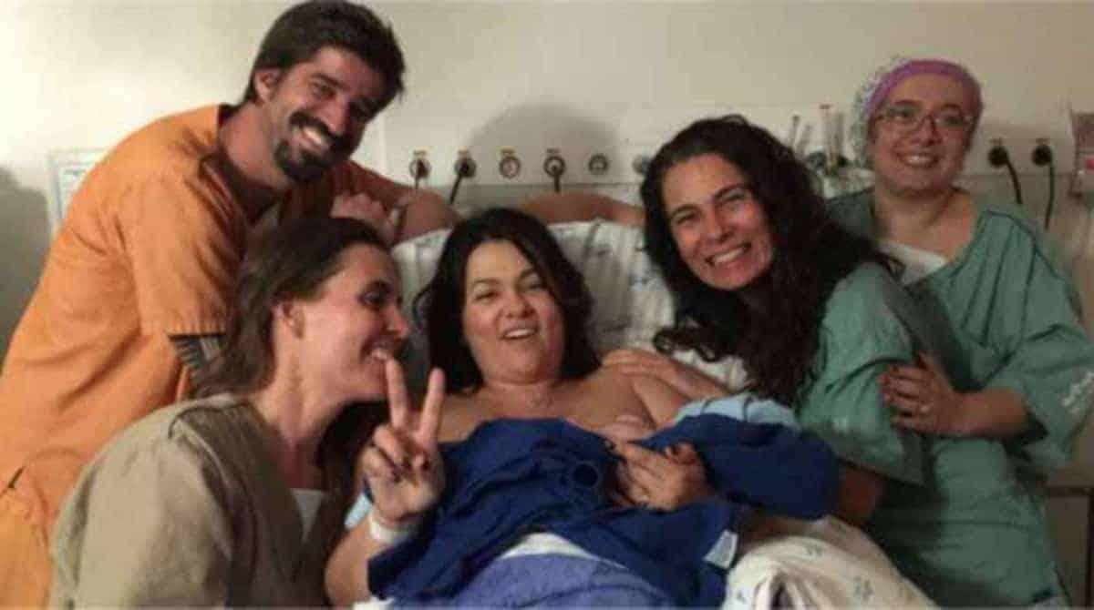 Suzana Alves teve um parto de 16 horas