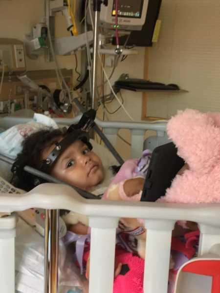 Essa é Aniyah a bebê que sofreu um acidente com sua avó