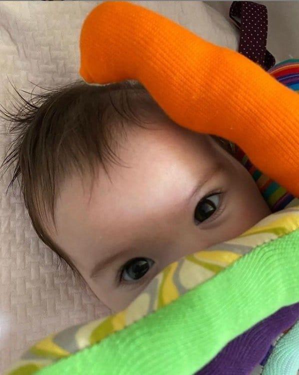 Bebê de Tatá Werneck e Rafael Vitti em foto compartilhada pela humorista