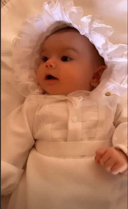 Liz encantou durante o seu batizado