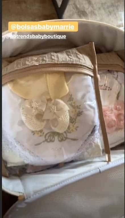 Thaeme mostra os preparativos para sua ida para maternidade