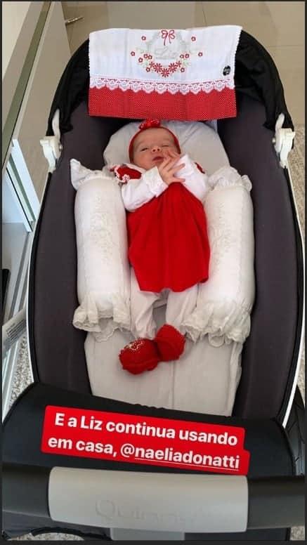 A bebê Liz com seu lindo enxoval
