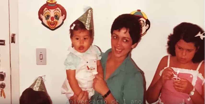 A atriz Thaís Fersoza compartilhou essa foto de seu aniversário de um ano