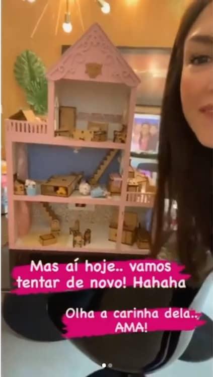 Thaís Fersoza encantou ao mostrar a casa de bonecas de Melinda