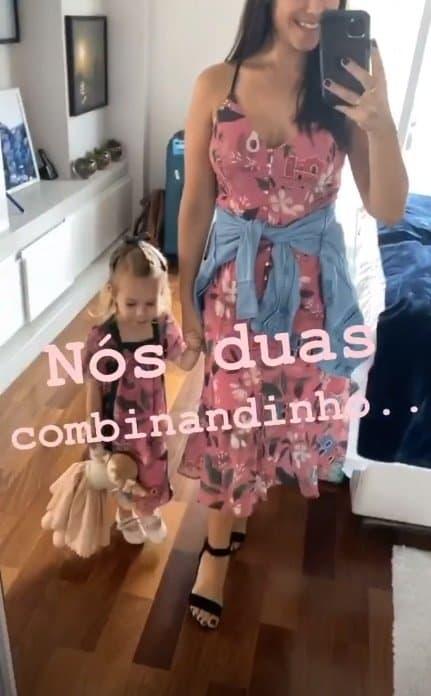 Thaís Fersoza combinou a roupa com Melinda