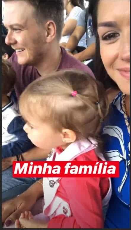 Família reunida, Thaís Fersoza com Michel Teló e os filhos Melinda e Teodoro