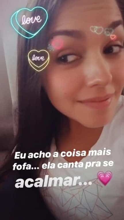 Essa foi a reação da atriz Thaís Fersoza ao ver sua pequena Melinda cantando pela babá eletrônica