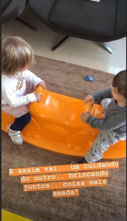 Thaís Fersoza divulga imagem dos filhos brincando