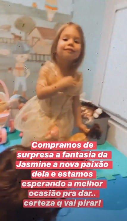 Thaís Fersoza mostrou sua filha no quarto de brincar