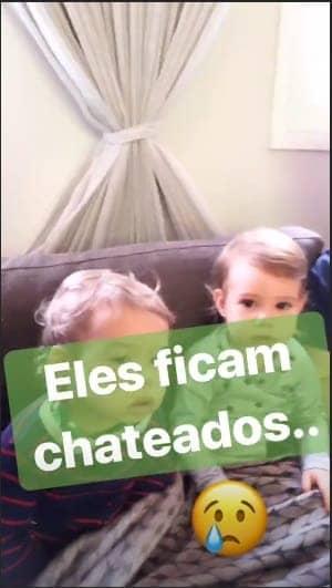 A mamãe Thaís Fersoza publicou essa imagem de seus filhos, Melinda e Teodoro, após tomarem vacina