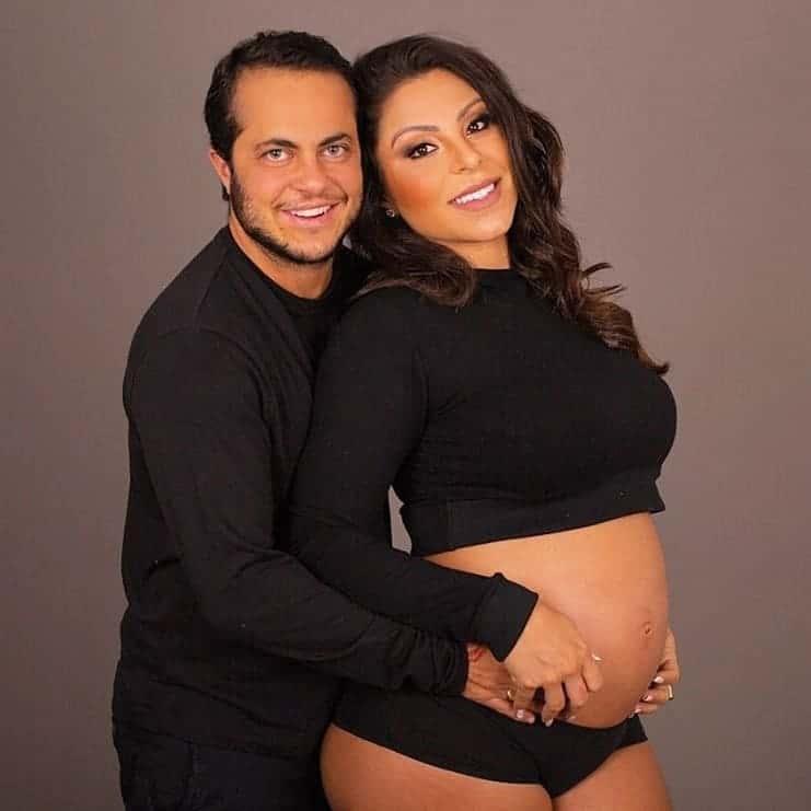 Ensaio que Thammy Miranda e a esposa fizeram na gravidez