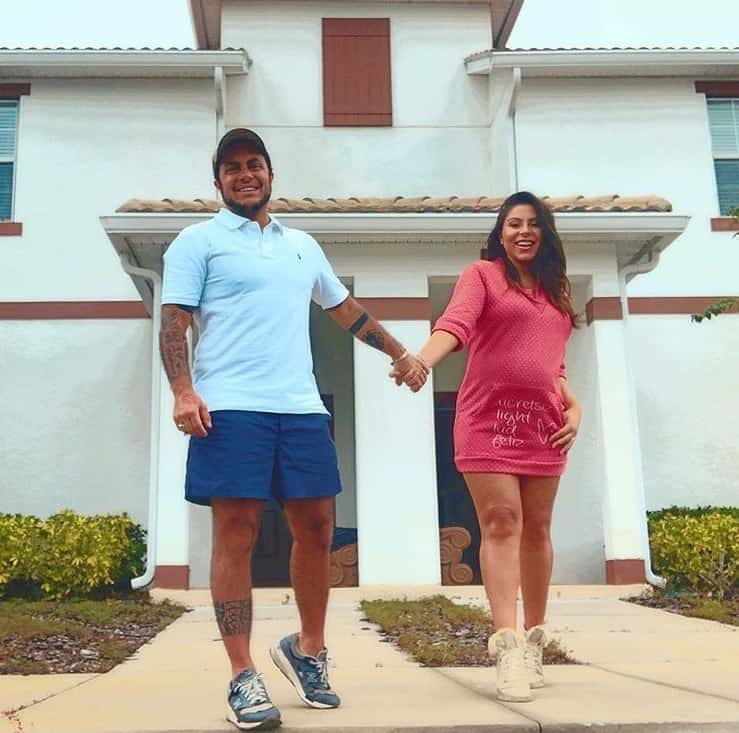 Thammy Miranda e Andressa Ferreira na casa norte-americana