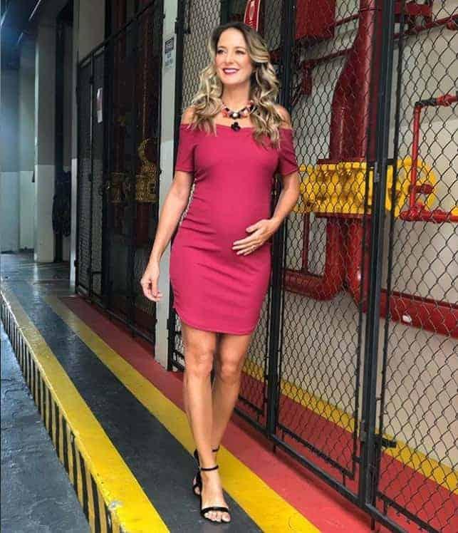 Ticiane Pinheiro com sua linda barriguinha de grávida