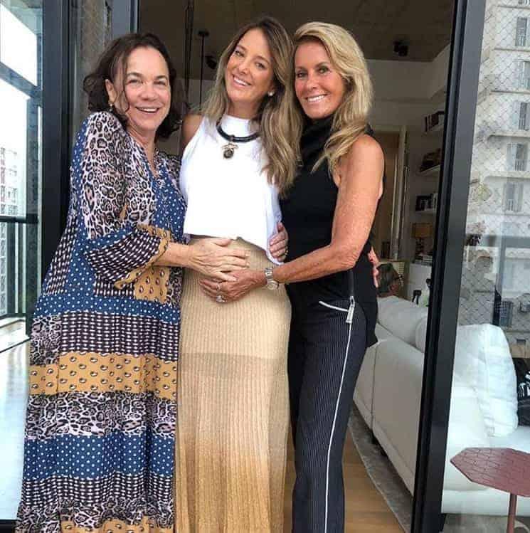 Ticiane Pinheiro com a mãe e a sogra