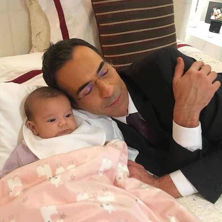César Tralli ao lado de sua filha com Ticiane Pinheiro, a fofa Manuella
