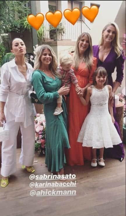 Sabrina Sato, Karina Bacchi e Ana Hickmann marcaram presentção ao chá de bebê