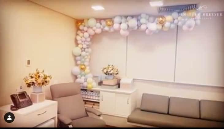 Sala de estar do quarto de maternidade de Ticiane Pinheiro
