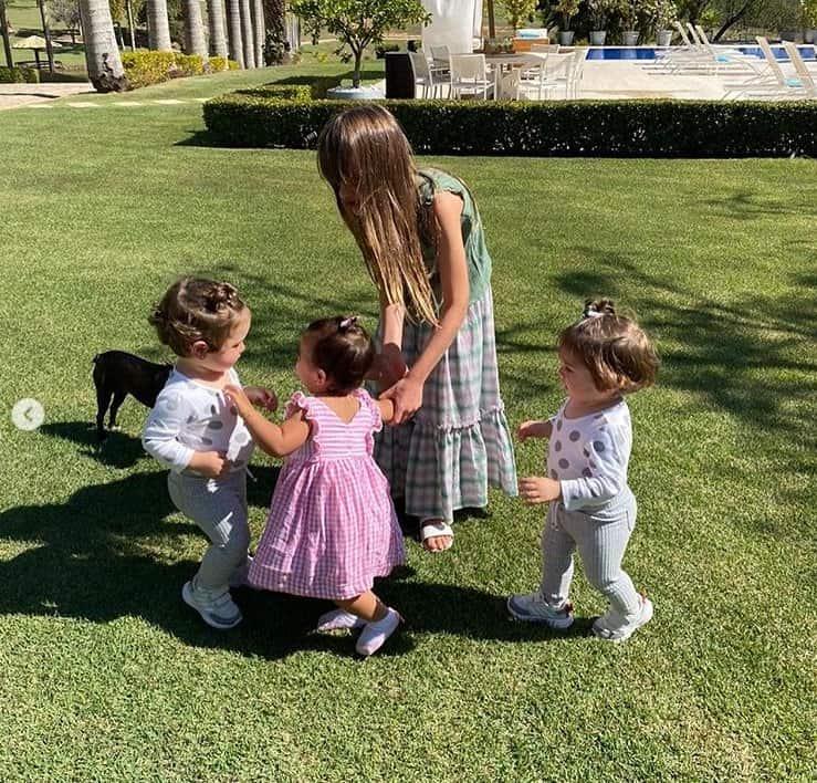 Rafinha com as sobrinhas e a irmã, filha de Ticiane Pinheiro