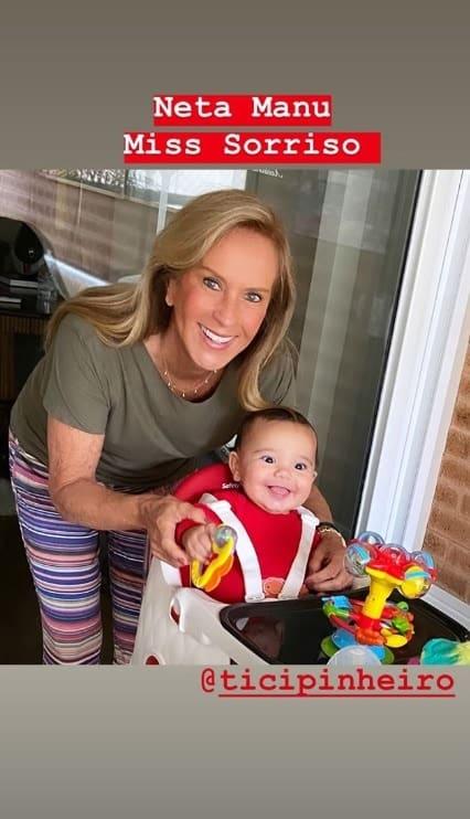 Filha de Ticiane Pinheiro sorrindo com sua avó