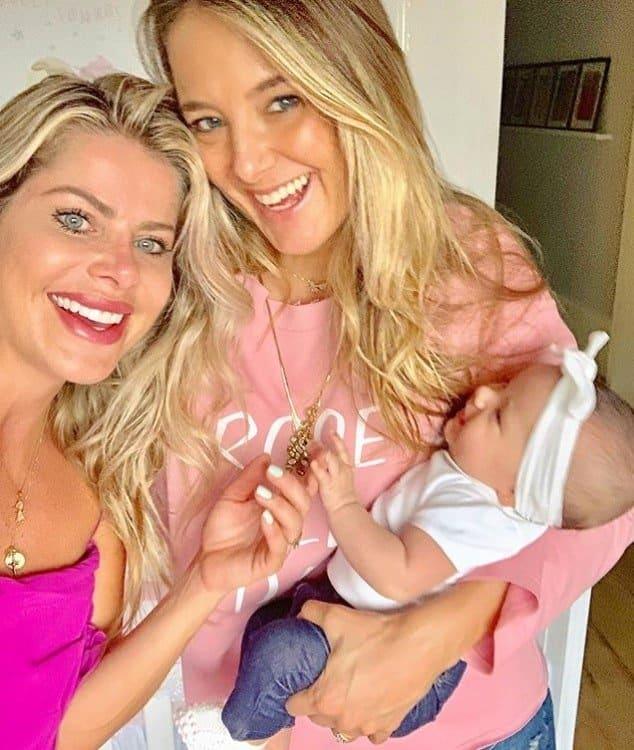 Ticiane Pinheiro com Karina Bacchi e sua filha Manuella