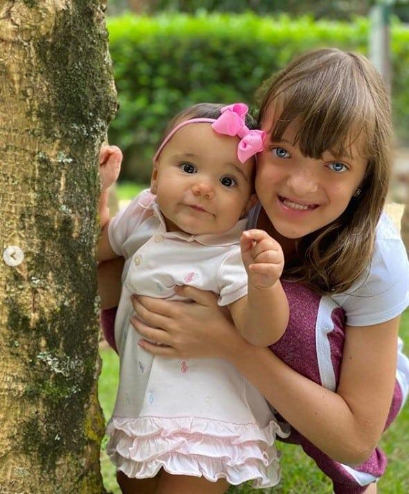Rafinha com sua irmã caçula Manuella