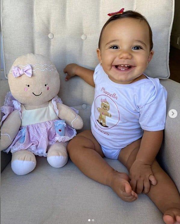 A fofa Manuella, filha de Ticiane Pinheiro e César Tralli