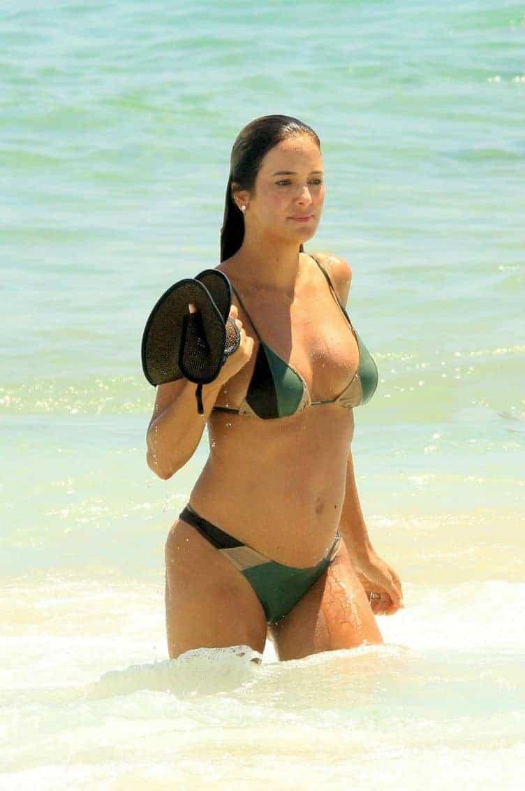 Ticiane Pinheiro foi clicada com sua barriga de grávida