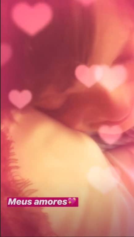 Rafaella Justus com a barriga de grávida de sua mãe Ticiane Pinheiro