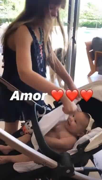 Ticiane Pinheiro mostrou as filhas brincando e encantou