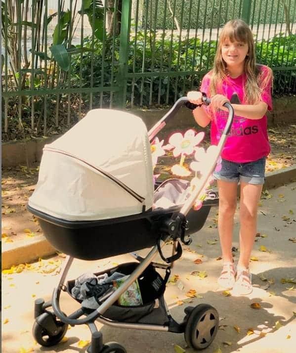 Ticiane Pinheiro fotografou Rafinha com a irmã de dois meses