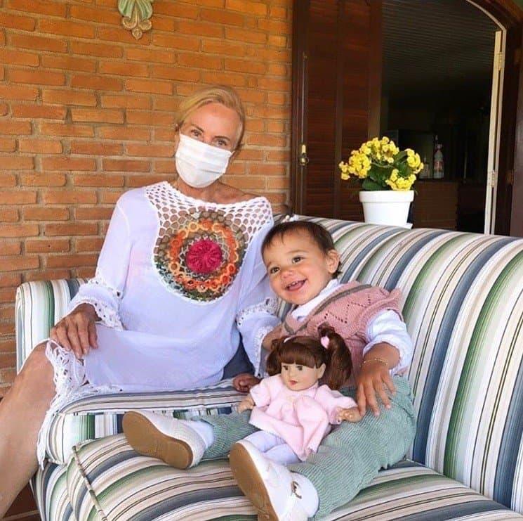 Reencontro da bebê de Ticiane Pinheiro com sua avó