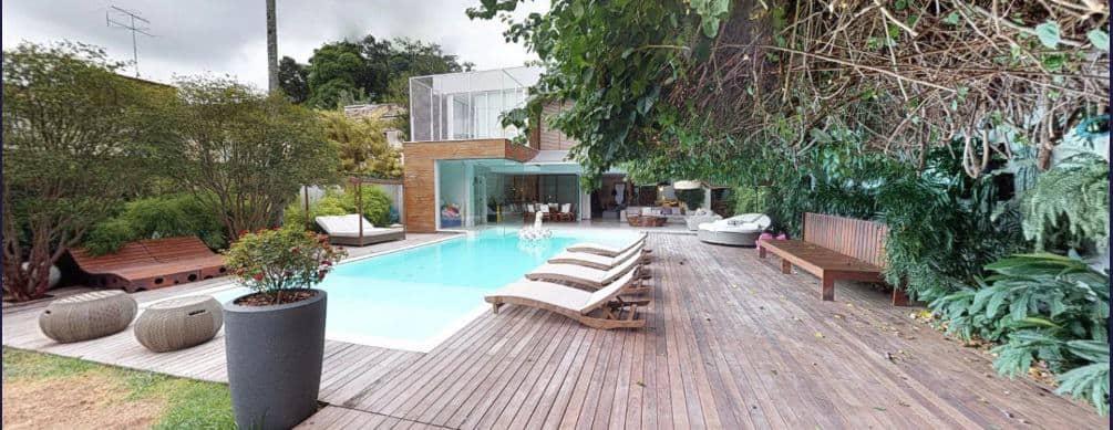 Essa é a área da piscina da mansão de Bruno Gagliasso com Giovanna Ewbank