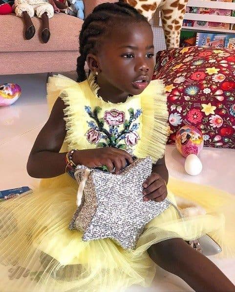 Esse foi o look que a fofa Titi usou no seu aniversário de 5 anos