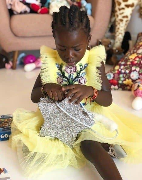 A fofa Titi usou esse look em seu aniversário de 5 anos